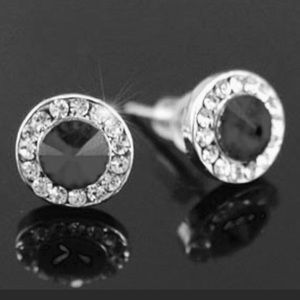 Black Classic stud earrings